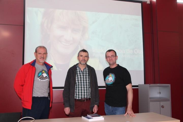 thumbnail_Pablo Ochoa de Olza junto a Julio de Iñigo y Ángel marco